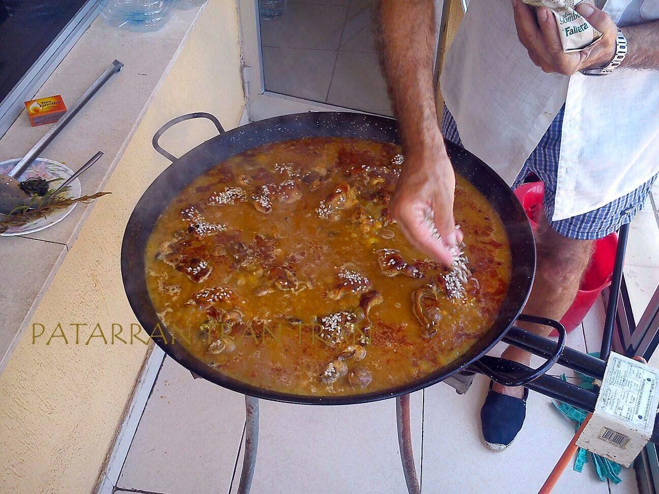 Arroz alicantino con Caracoles y garbanzos.