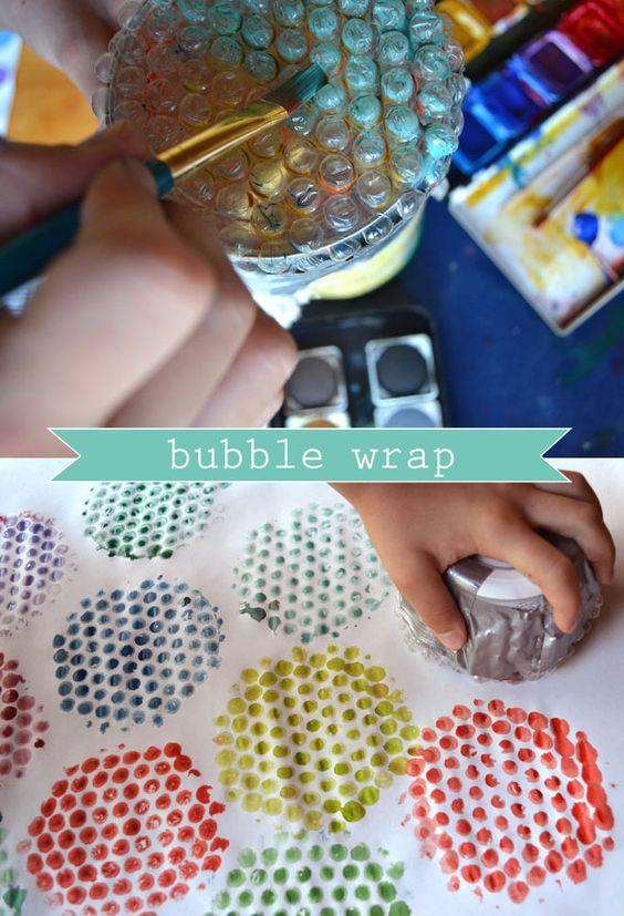 Estampar tejidos con burbujas de plástico
