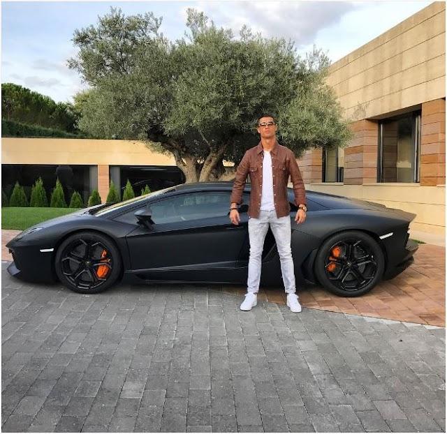 Modelos da coleção de Cristiano Ronaldo devem circular em SP
