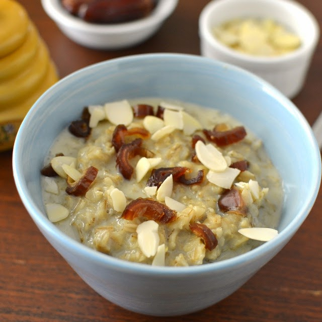 Oatmeal with Honey & Dates