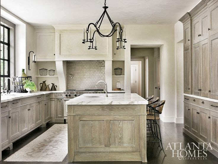 Classic Style Home: Kitchen Trends: Rustic Elegance