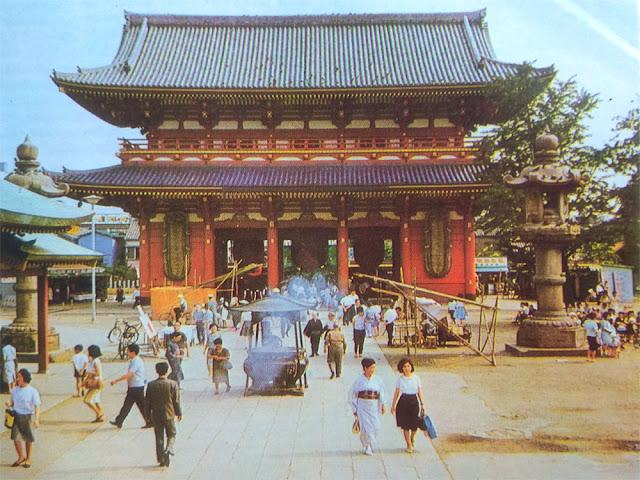 Orang Ainu dianggap sebagai penduduk pertama Jepang Sejarah Penduduk Negara Jepang