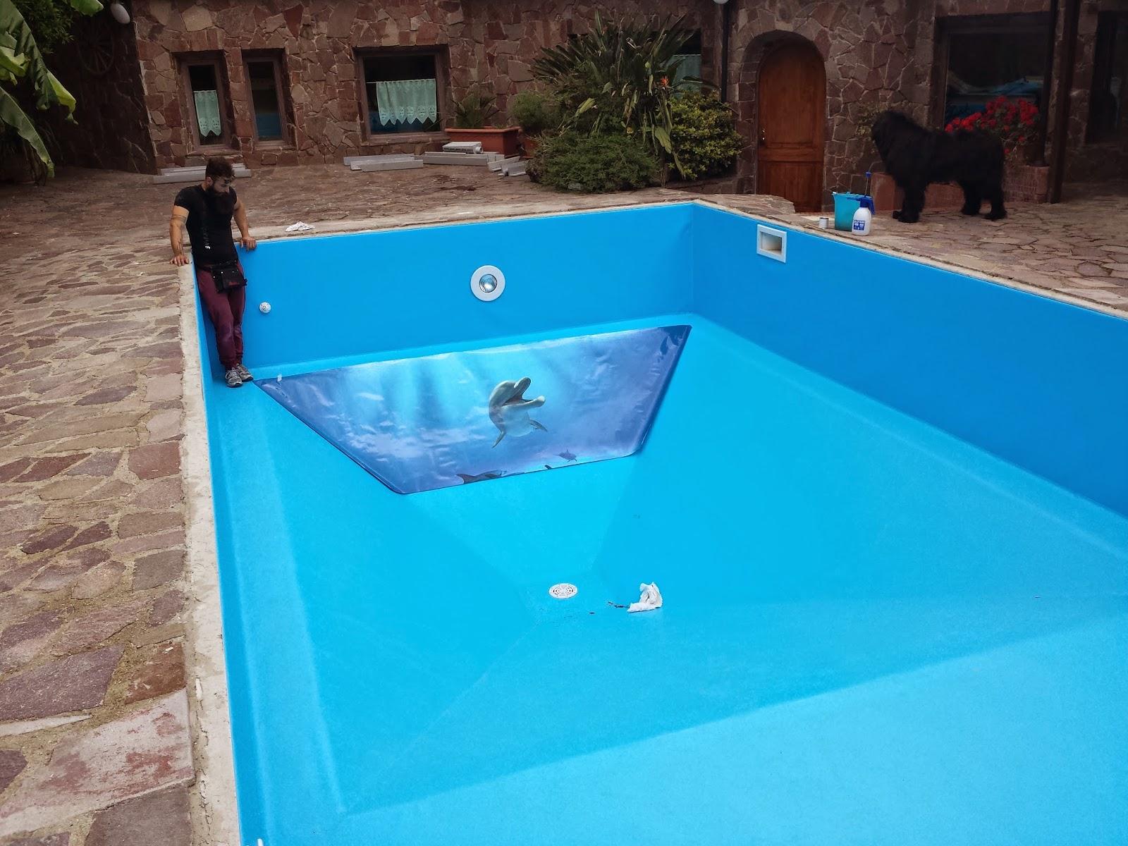 decorazione con adesivi per fondo piscina santorografica