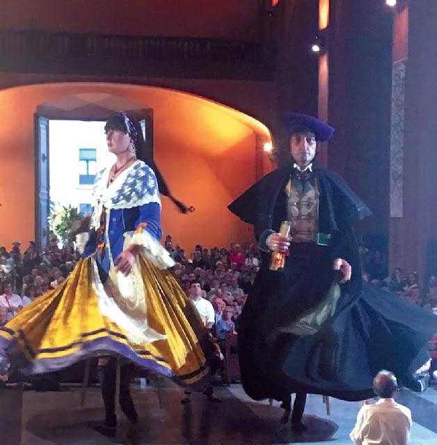 La Dançada a Sant Antoni, amb els gegants de Molins de Rei