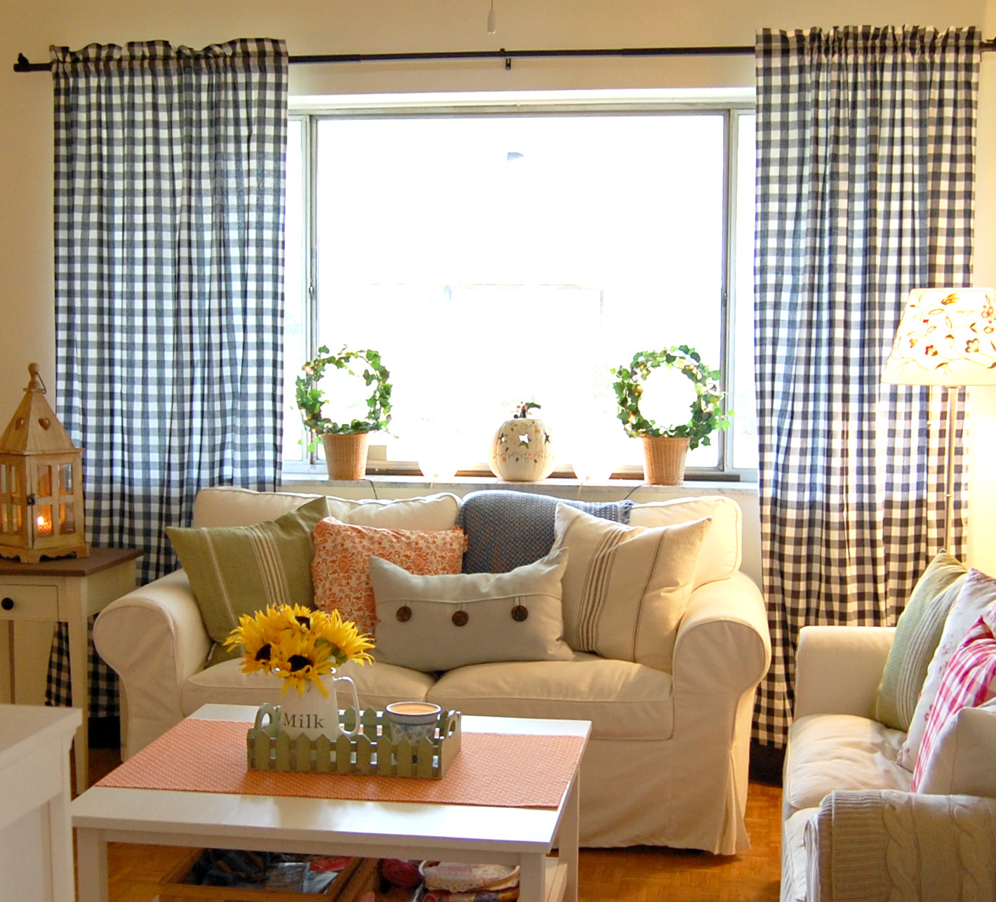 Living Room Makeover: Hopscotch Lane: Living Room Makeover