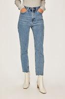 jeansi-de-firma-pentru-femei-2