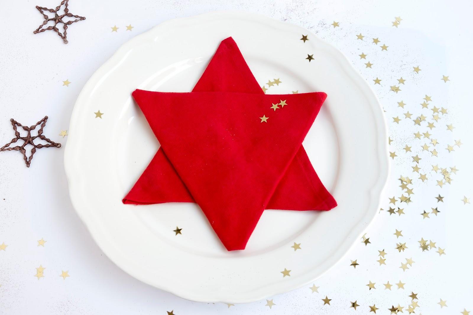 Servet vouwen in de vorm van een ster