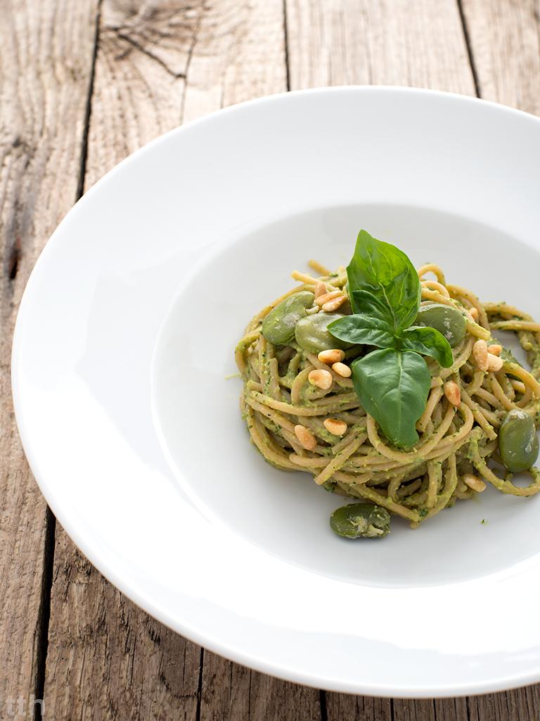 Spaghetti z pesto z bobu makaron wegański roślinny blog bezglutenowe