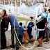 Η ΦΩΤΟΓΡΑΦΙΑ ΤΗΣ ΧΡΟΝΙΑΣ! Όταν το αγόρι αγκαλιάζει τον σκύλο στο γήπεδο...