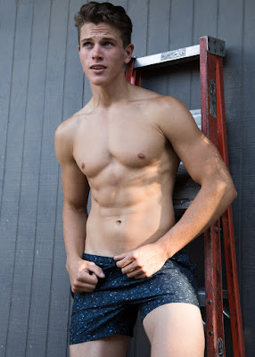 Alex Valley by Ted Sun