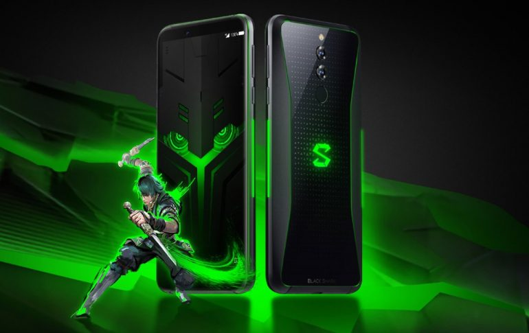 xiaomi black shark helo with 10gb ram and dual gamepad