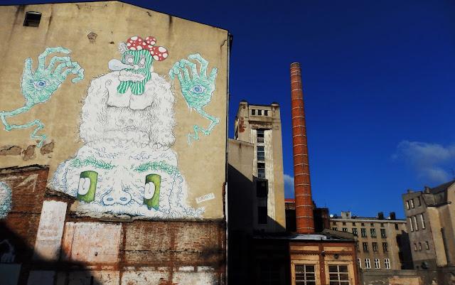 Połączenie street artu i przemysłowości w Łodzi.