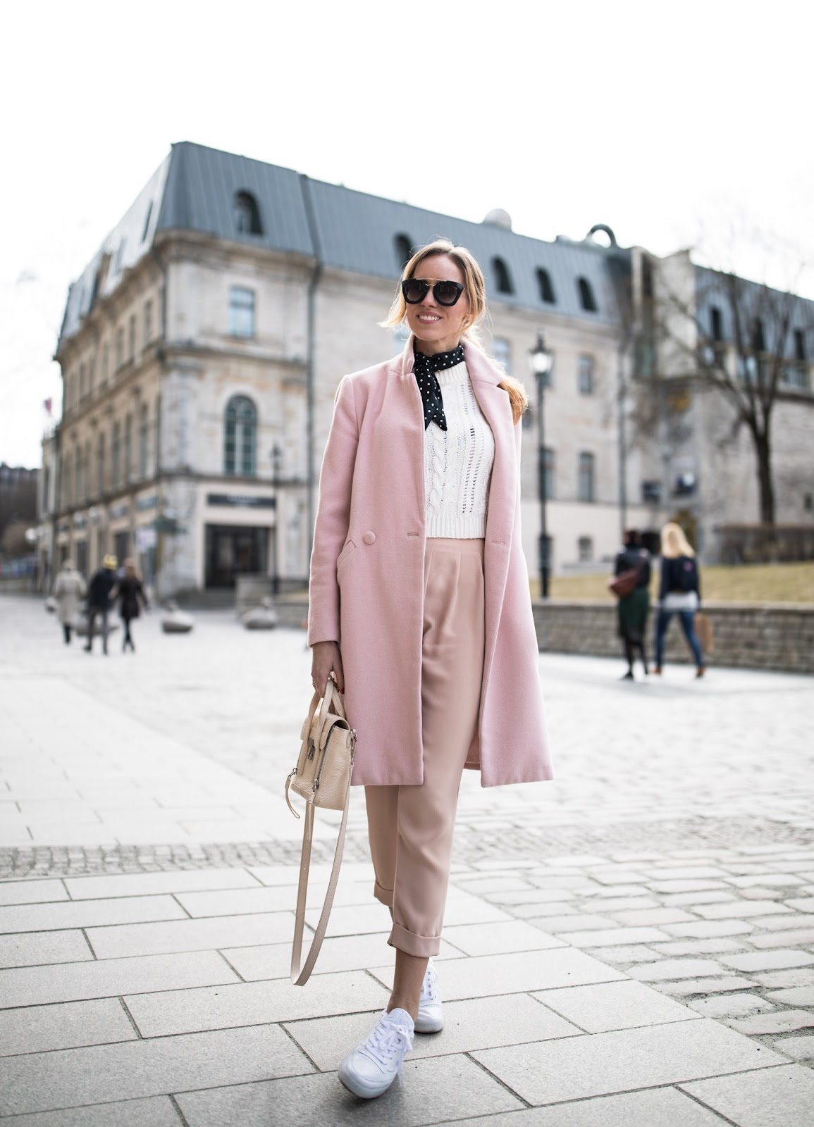pink spring outfit street style