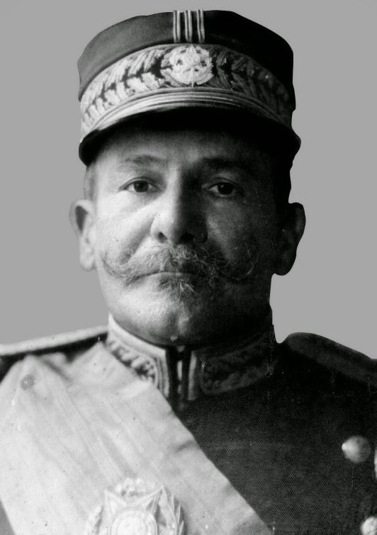 Hermes da Fonseca instituiu o serviço militar obrigatório.