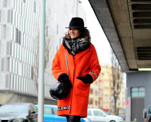 Borsalino y naranja