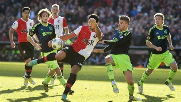 Feyenoord Bantai Ajax di Der Klassiker