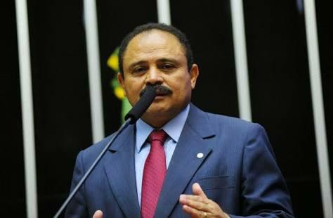 """""""Honro meus compromissos assumidos, faltou lealdade e gratidão"""", dispara Waldir Maranhão em seu discurso"""