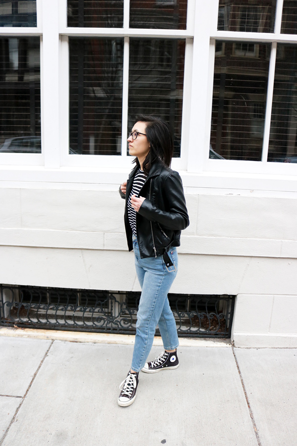 casual outfit leather jacket, striped t-shirt, mom jeans, converse shoes