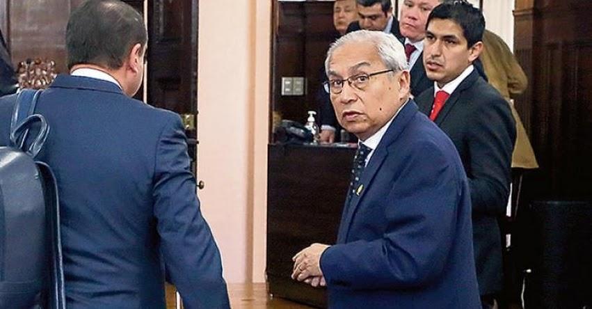 Archivan investigación a polémico ex Fiscal de la Nación por deslacrado de oficinas