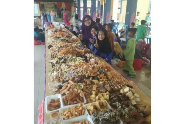 Kecoh! Konsep 'Shell Out' Kuih Raya Sempena Sambutan Hari Raya Aidilfitri Di Sekolah Jadi Membazir..