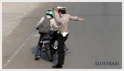 Lagi-lagi Polisi  Tendang Pengendara Motor Hingga Tewas Saat Razia di Sijunjung Sumbar..