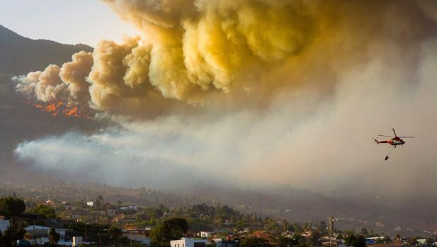 El incendio de La Palma aún  no está controlado