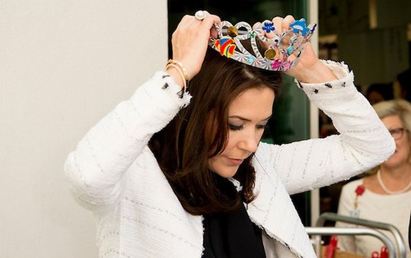 Princess Mary visited the Qatar Academy in Doha