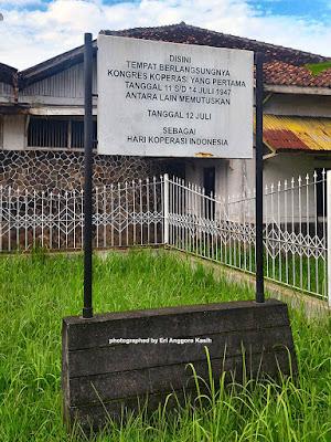 Sign board Tugu Koperasi Indonesia di Tasikmalaya.