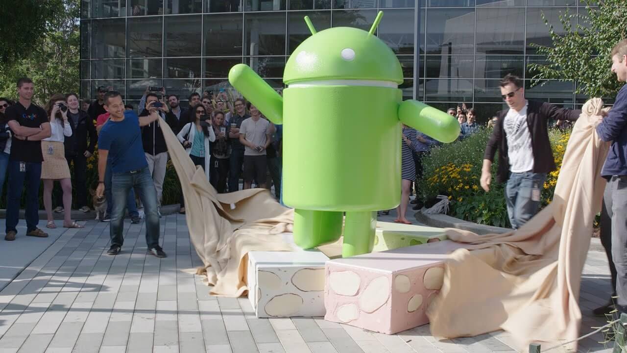 Patung Android 7.0 Nougat