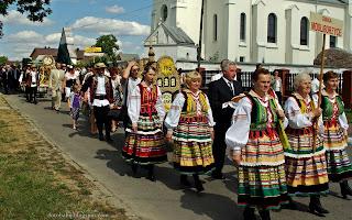 http://fotobabij.blogspot.com/2015/03/korowod-stroje-ludowe-modliborzyce.html