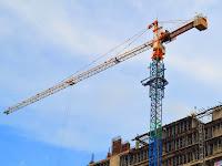 Penemu Alat Berat Crane dan Excavator Pertama di Dunia