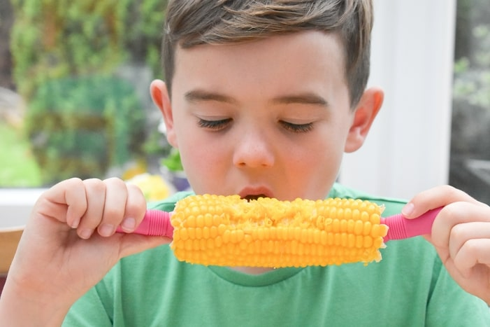 eating corn on the cob