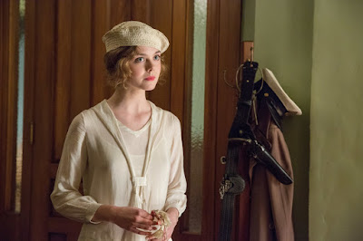 Elle Fanning in Live By Night (20)