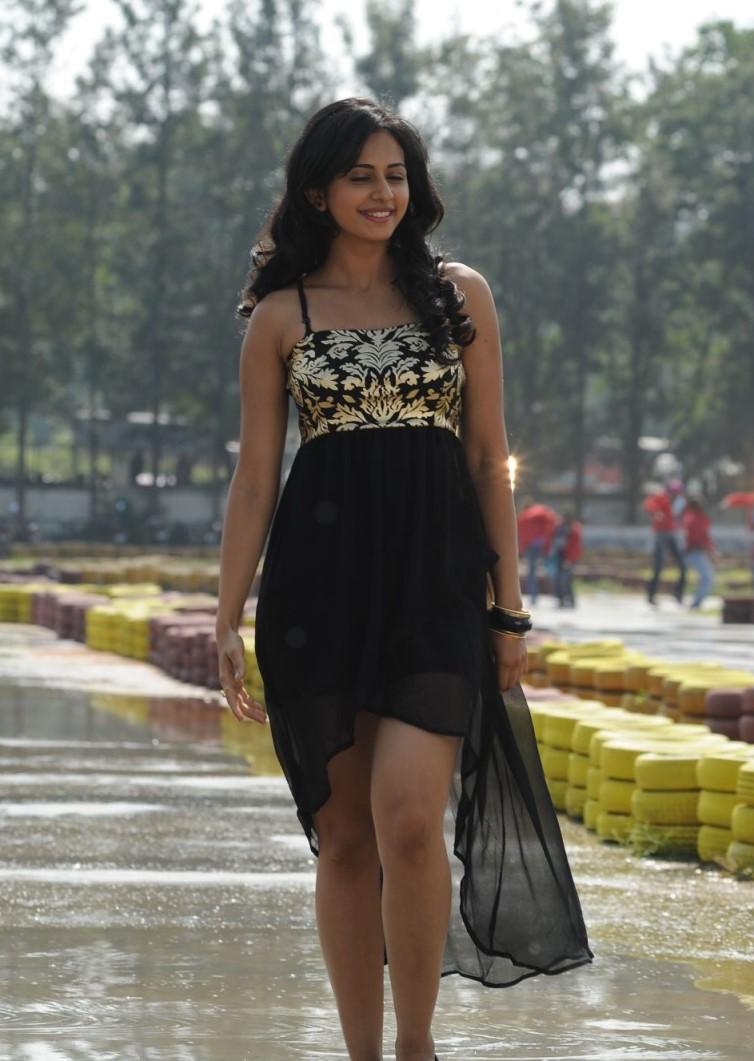Rakul Preet Singh Very Hot Photos In Black Dress