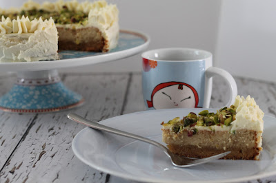 Lemon and pistachio Love Cake (gluten free)