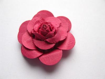 http://szmek-bloguje.blogspot.com/2012/10/kurs-na-kwiatka-i-niespodziankowe-mini.html