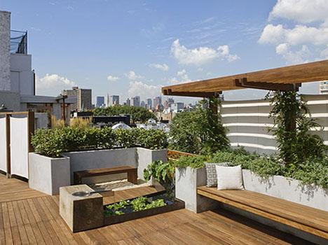 Flores y plantas en decoraciones de terrazas en New York  BonitaDecoracincom