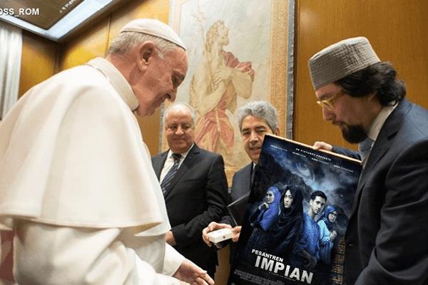 Paus Tertarik Menonton Film Bertemakan Pesantren yang Diputar di Vatikan