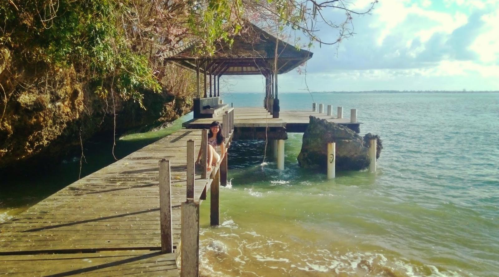 Pantai Pondok Pemuda Jimbaran hutan tersembunyi
