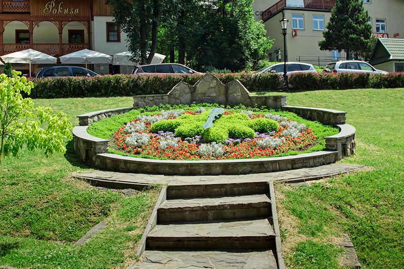 zegar z kwiatów