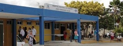 Enfermeira do Hospital de Limoeiro é acusada de mau atendimento