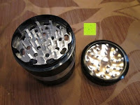 """Deckel abgenommen: DCOU aluminium tabak spice herb mühle / anlage mühle / pollen sammler mit magnetischen cover mit pollen - fänger 4 schichten 2,5 - Zoll """"schwarz"""