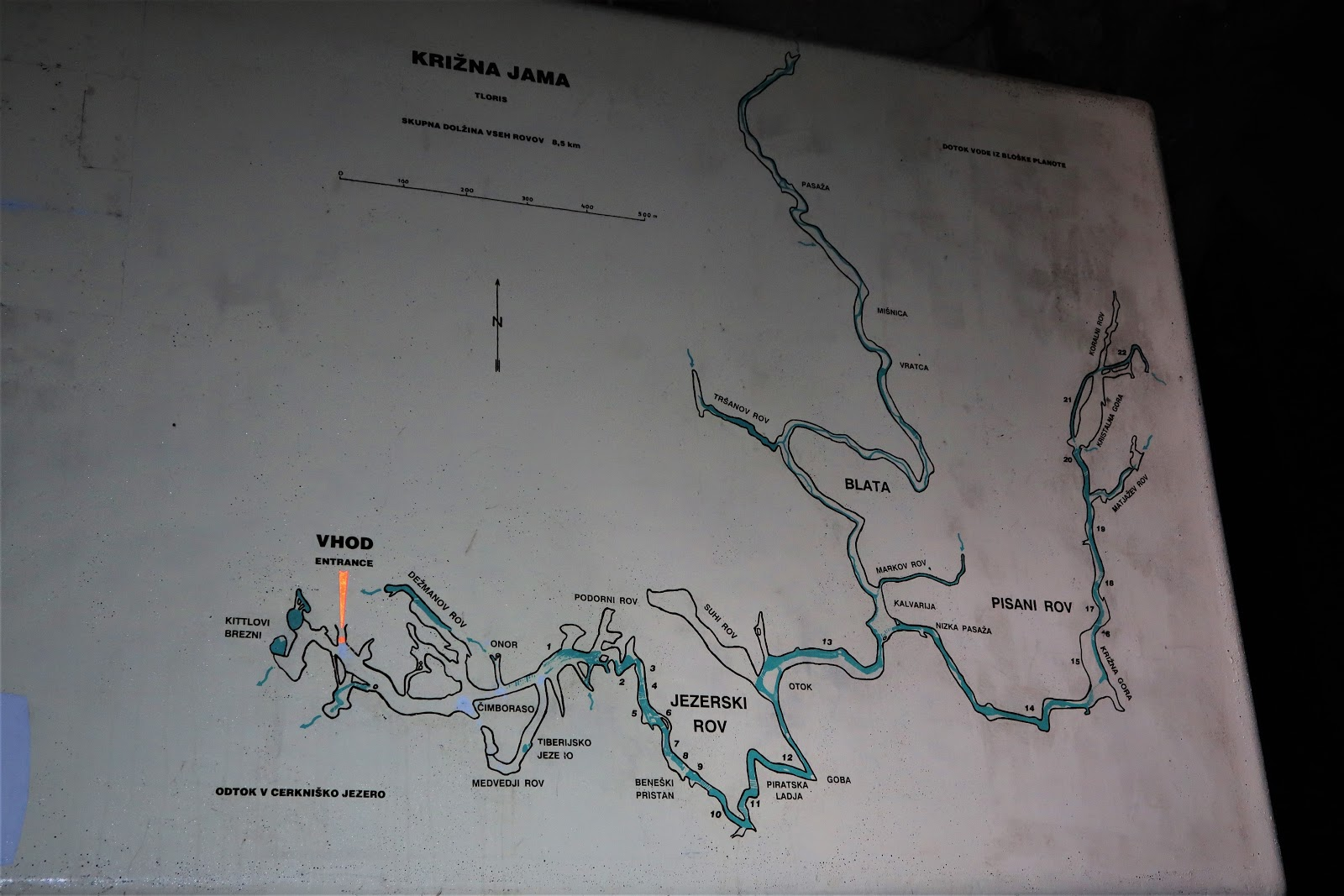 this is a map of the cave there is a one hour tour that goes to the first lake short boat ride and you re out unfortunately there is nothing interesting