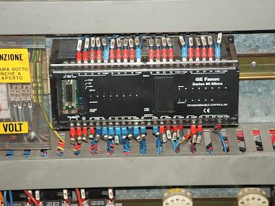 EXPLAIN THE ADVANTAGES OF PLC (PROGRAMMABLE LOGIC CONTROLLER)