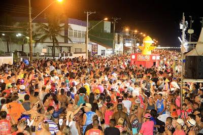 Carnaval 2018 na Ilha Comprida contou com milhares de foliões,  muitas fantasias, alegria dos blocos,  samba e shows