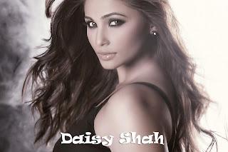 Daisy shah nice hair style