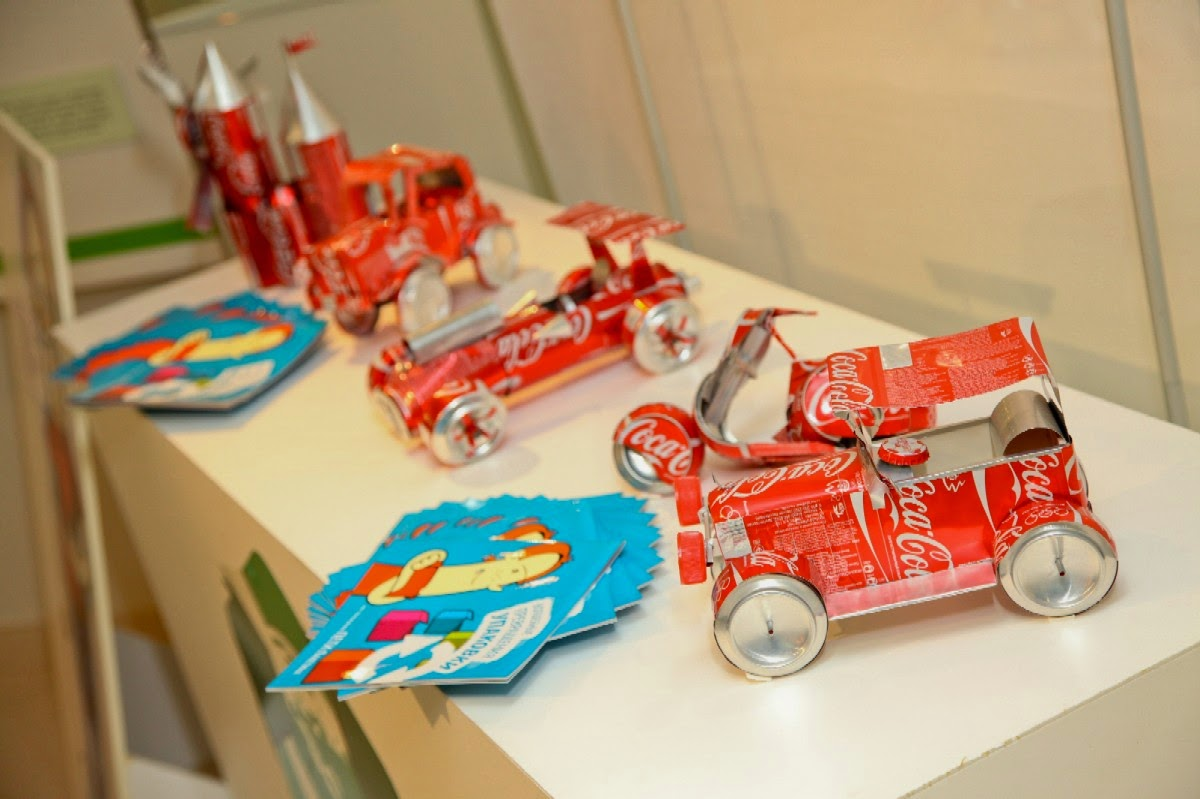 5 creative school exhibition toys made out of waste for Waste materials
