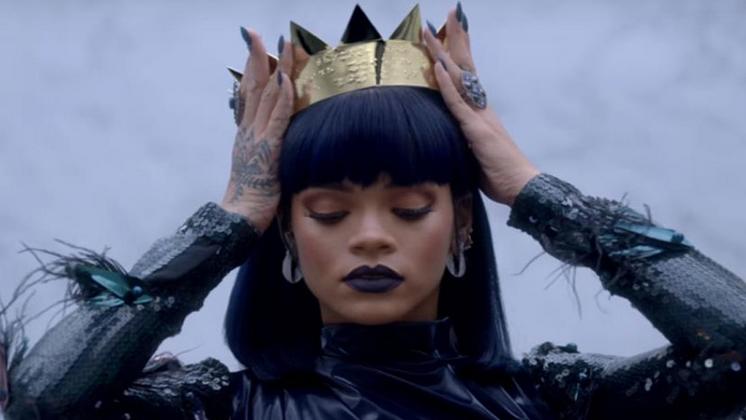"""""""Work"""" é a 14ª música da cantora a atingir a primeira posição do Hot 100 da Billboard."""