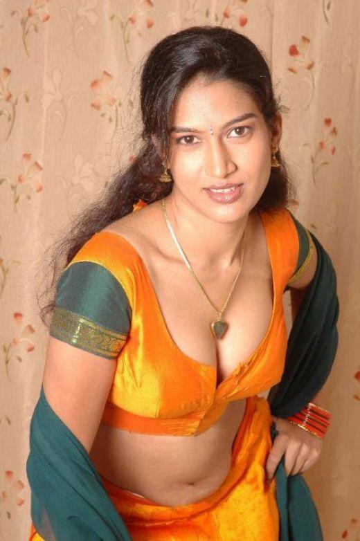 Nangi Indian Photos Sexy Memories - Bolly Actress Pictures-9413