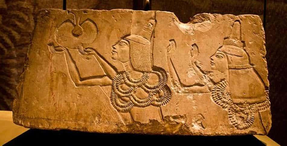 A,tarih, Antik tarih, Mısır firavunları, Firavun Ay,Gizemli bir firavun,Gizemli firavunlar,Akhenaton,Zannanza,Şuppiluliuma,Ankhesenamen,Antik Mısır tarihi,Mısır tabletleri,Vezir Ay